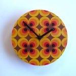 retro flower clock